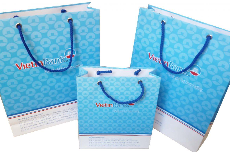 In túi giấy cho các thương hiệu thời trang